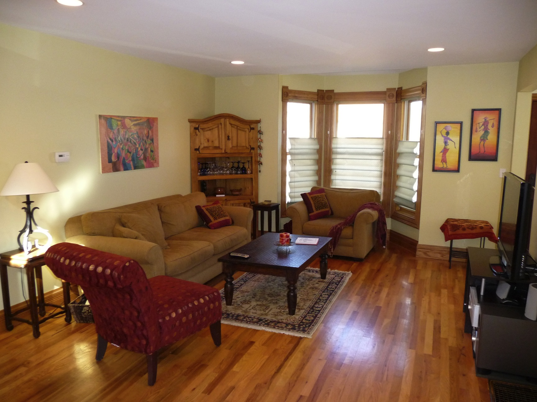 Small living room ideas Make your small living room glow