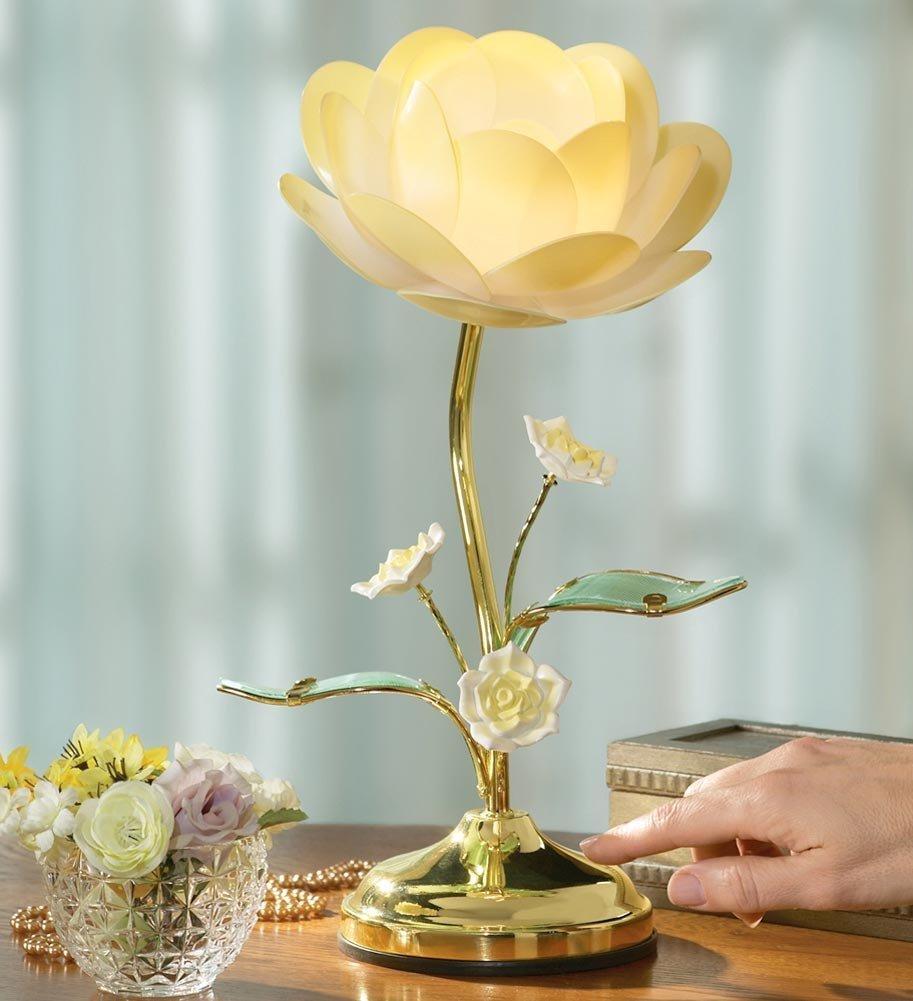 Charming White Flower Table Lamp Design