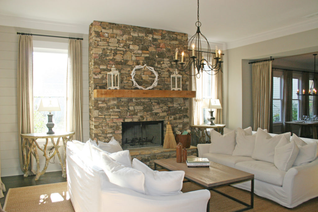 Living room furniture ideas+fireplace