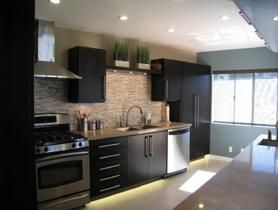 Black Modern Kitchen Interior Design photo - 1
