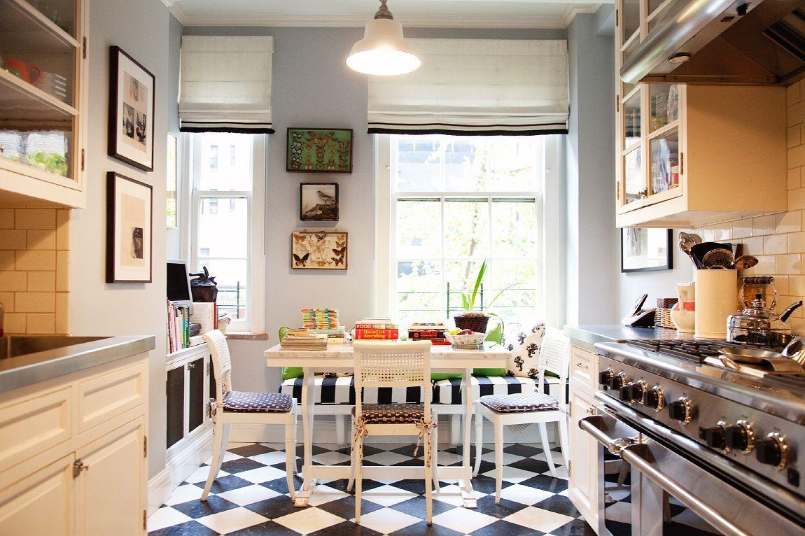 Black and White Kitchen Interior photo - 4