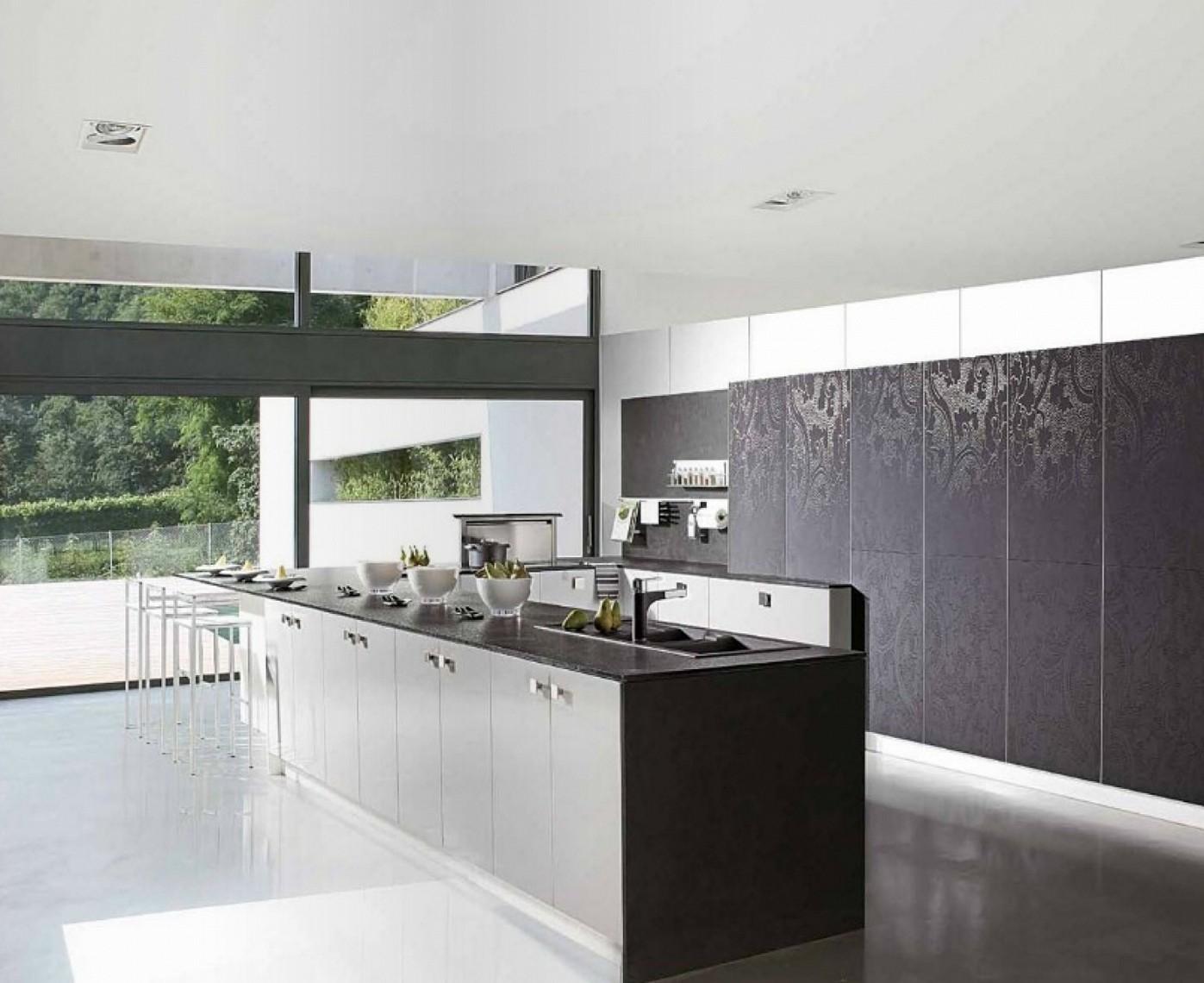 Black and bronze kitchen wallpaper photo - 1