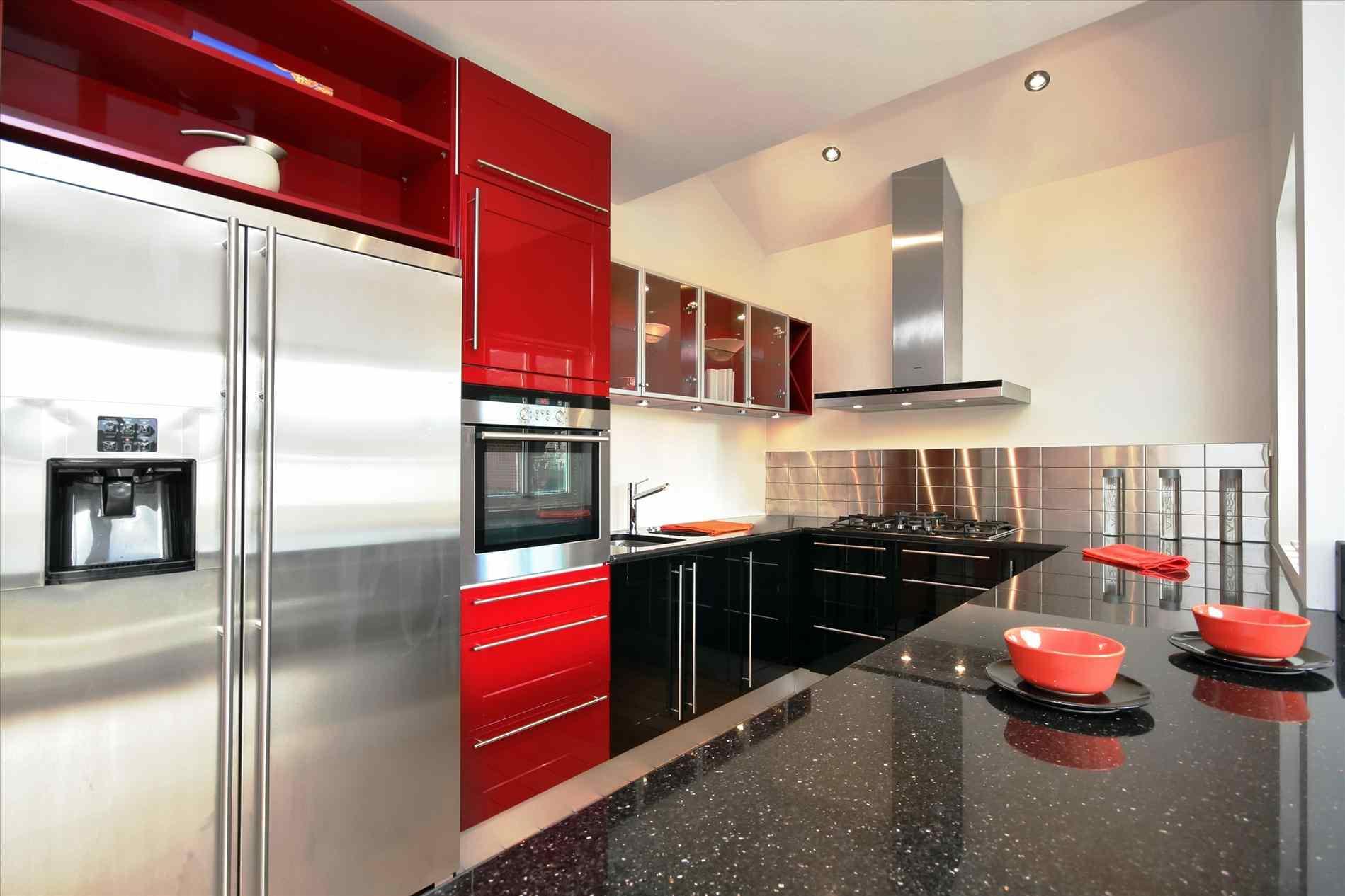 Black and bronze kitchen wallpaper photo - 3