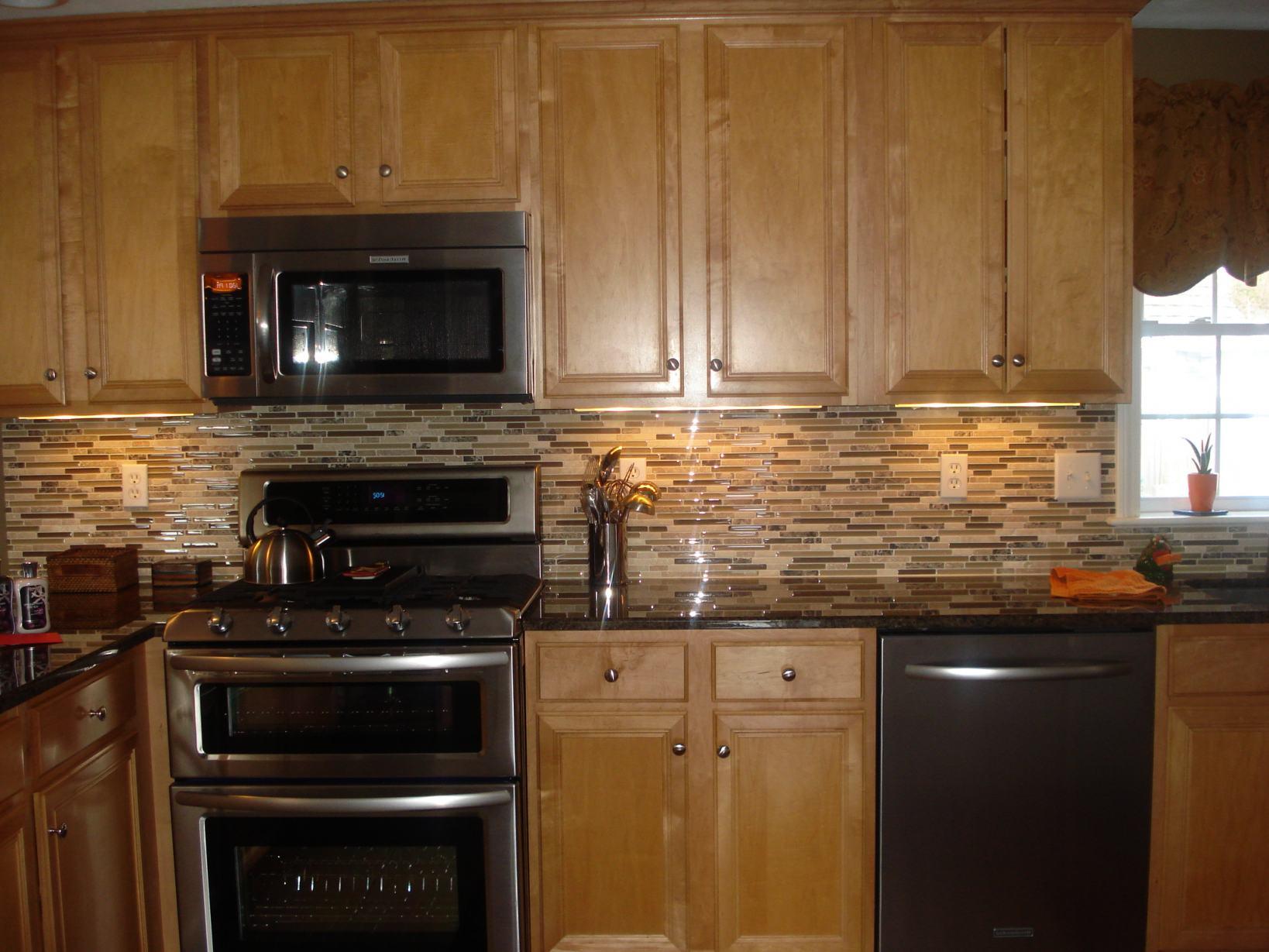 Black and bronze kitchen wallpaper photo - 4