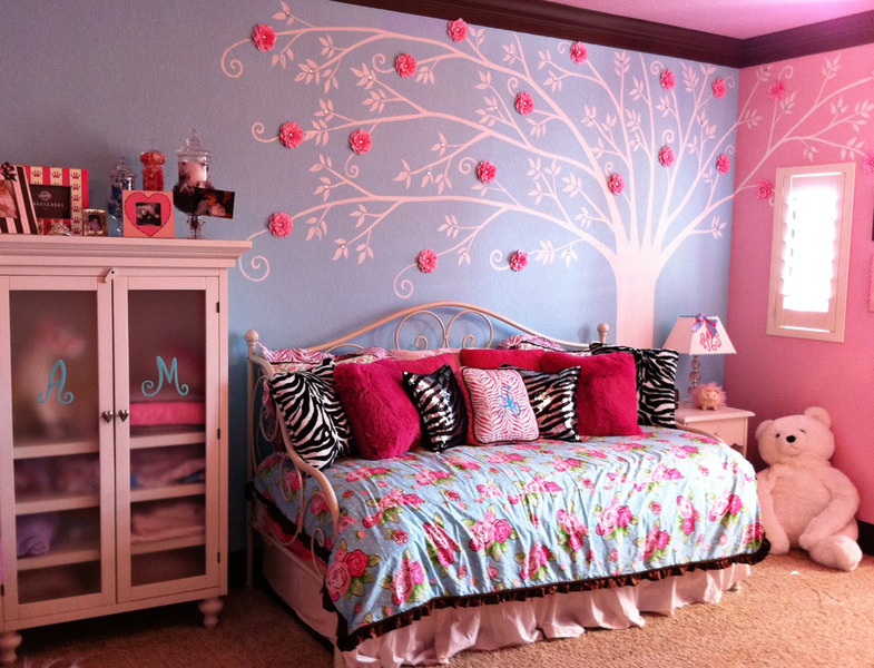 Blue and Pink Bedroom photo - 5