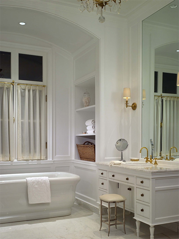 Classic Style Bathroom Design photo - 4