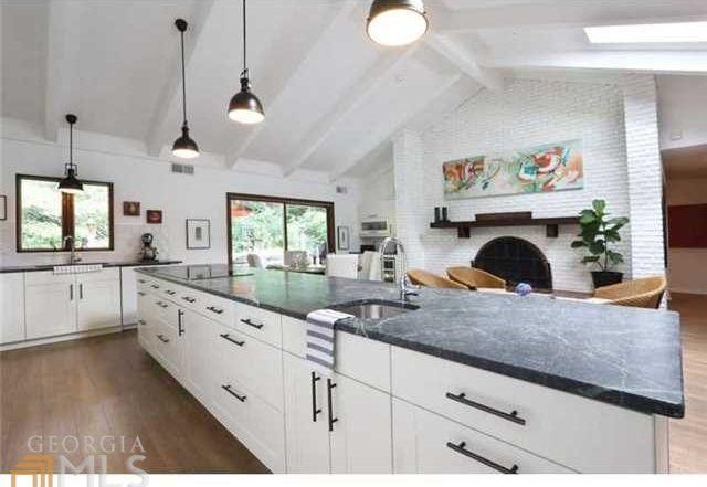 Custard Modern Kitchen photo - 4