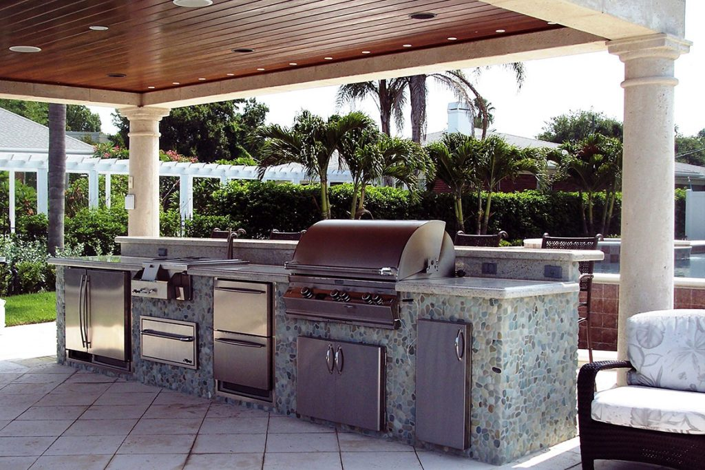Entertain Like a Pro with an Outdoor Kitchen Island photo - 1