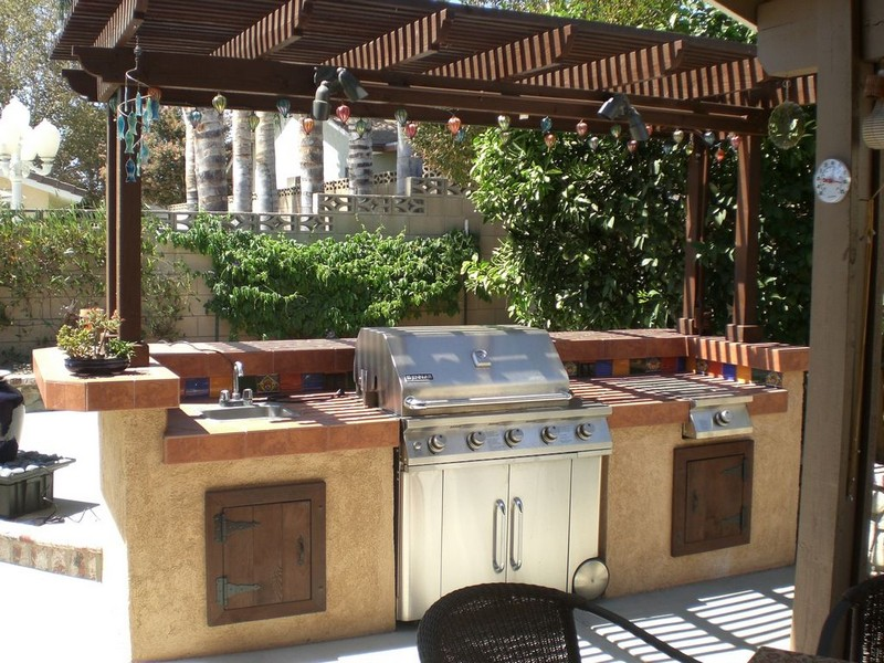 Entertain Like a Pro with an Outdoor Kitchen Island photo - 4