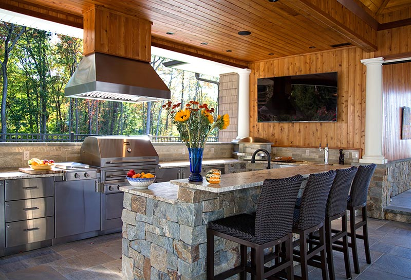 Entertain Like a Pro with an Outdoor Kitchen Island photo - 9