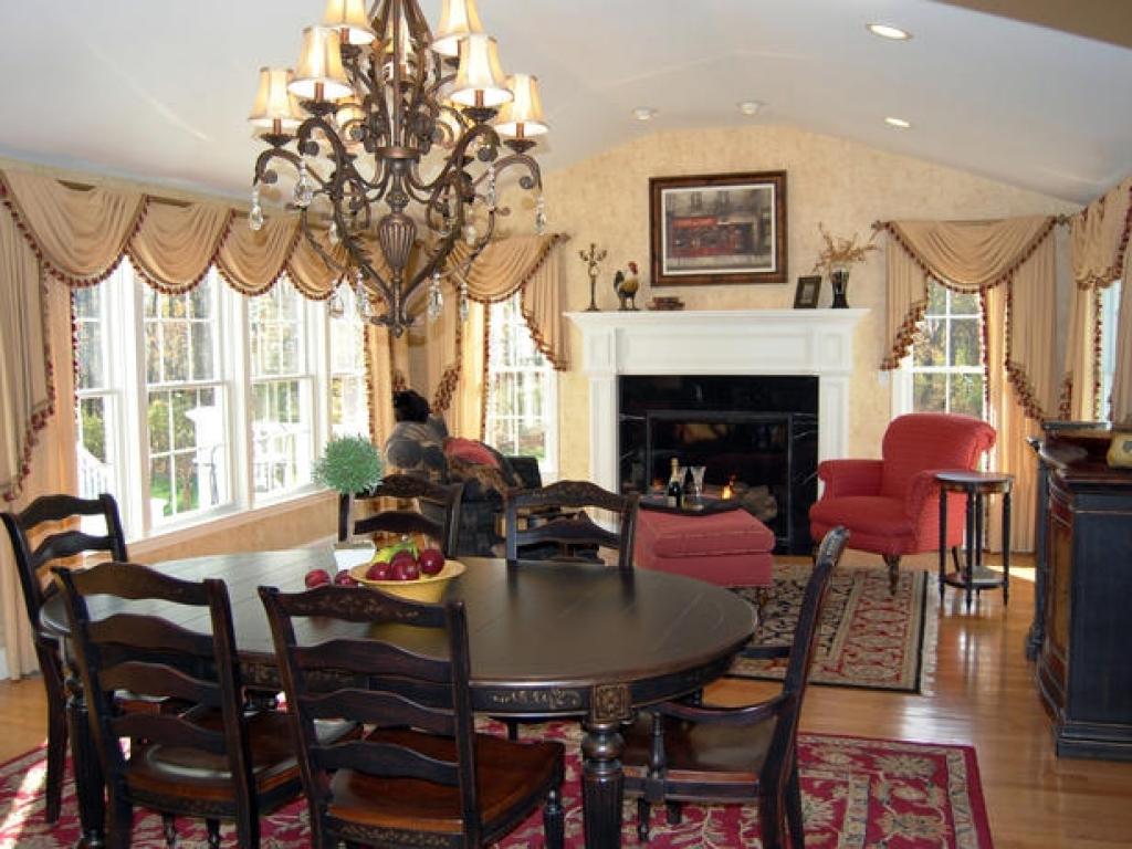 Impressive Dining Room photo - 2