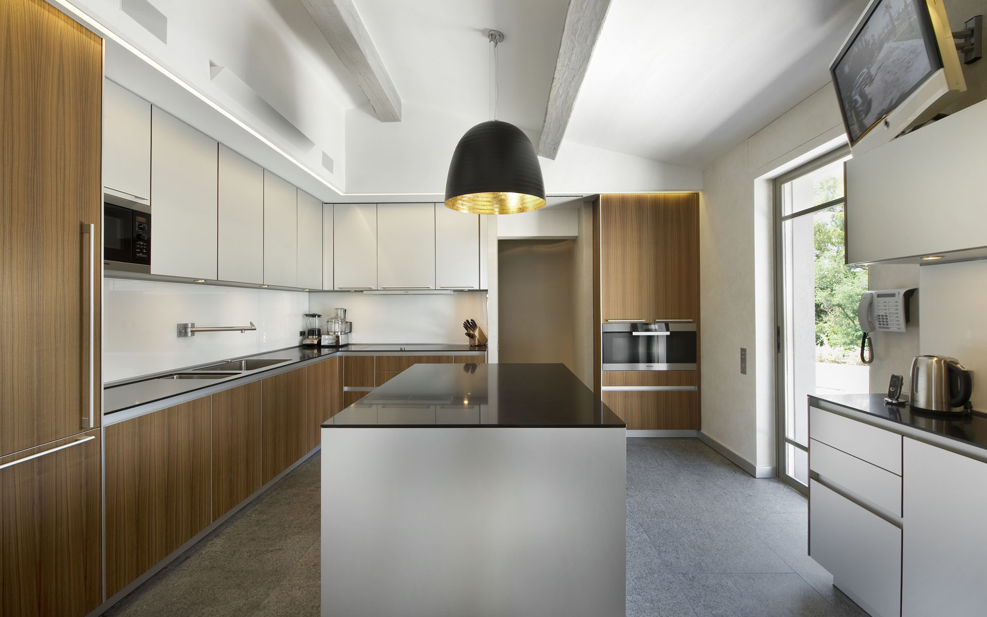 Minimalistic Kitchen Interior photo - 3