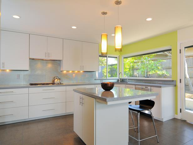 Modern Kitchen with Green Accent photo - 8