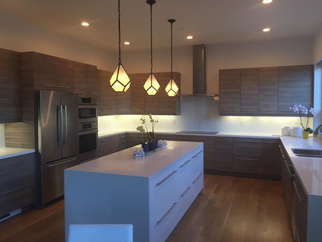 Modern and Luxurious Kitchen Design photo - 4