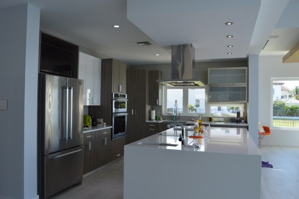 Modern and Luxurious Kitchen Design photo - 9