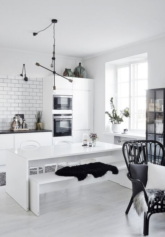 Monochrome Modern Kitchen photo - 7