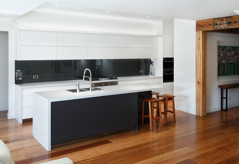 Monochrome Modern Kitchen photo - 9