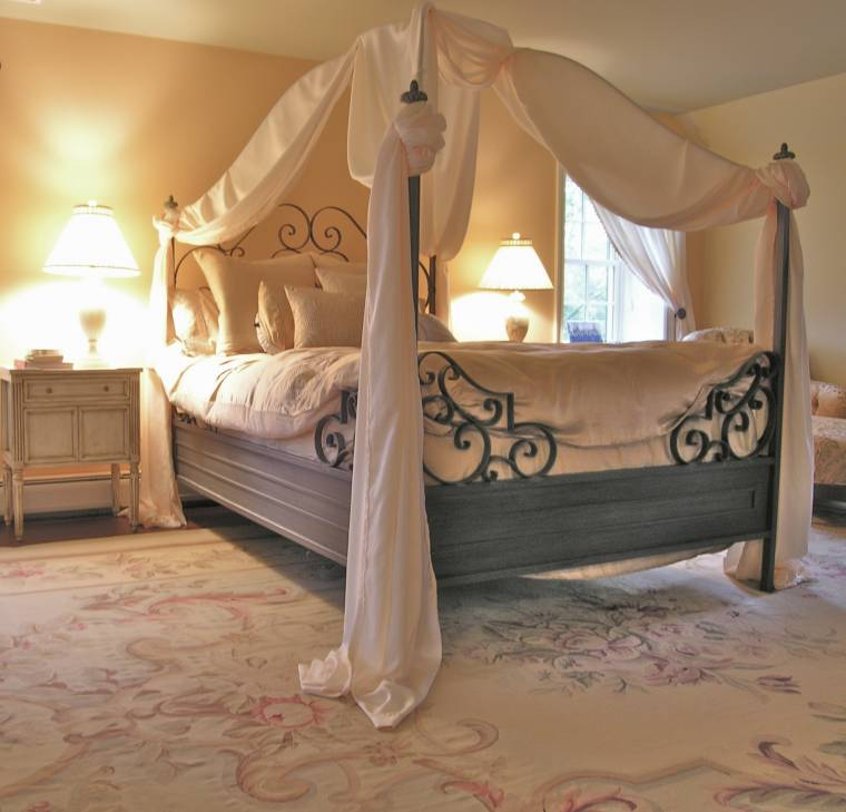 Romantic Bedroom Design photo - 9