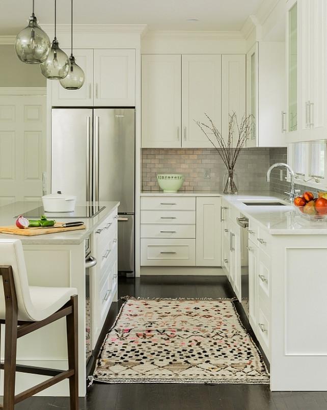 Small Kitchen Interior photo - 10