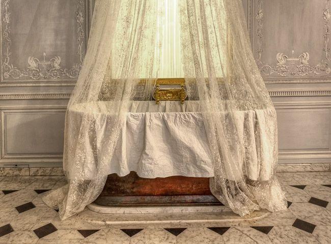 The Bathroom of Marie-Antoinette photo - 1