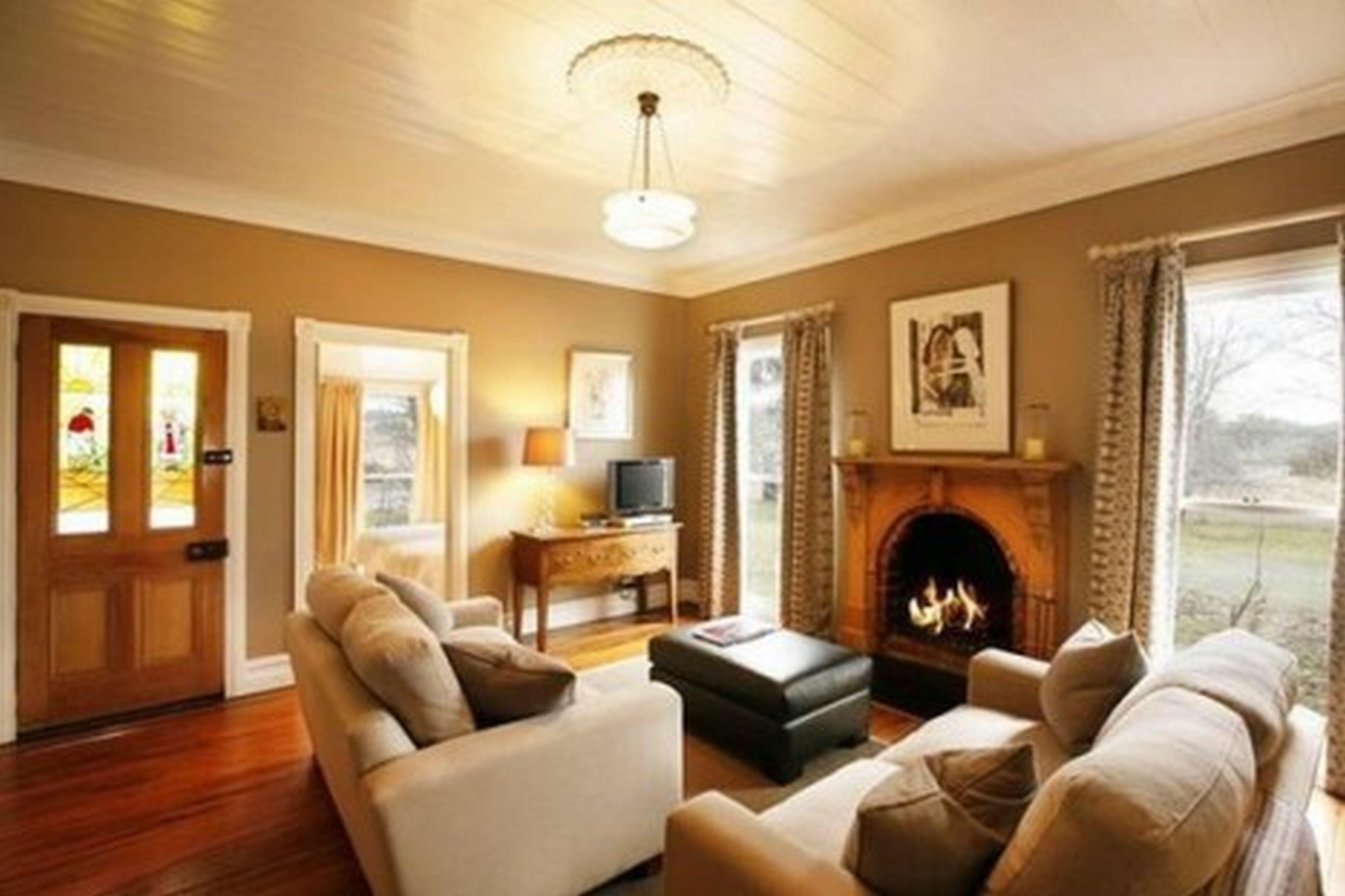 Warm Living Room photo - 8