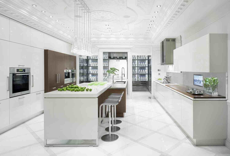 White Kitchen photo - 1