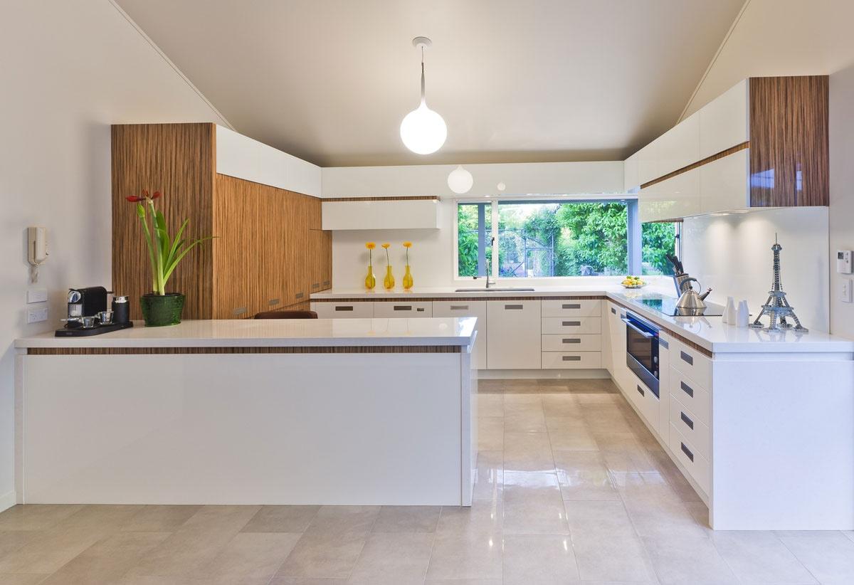 White Modern Kitchen photo - 10