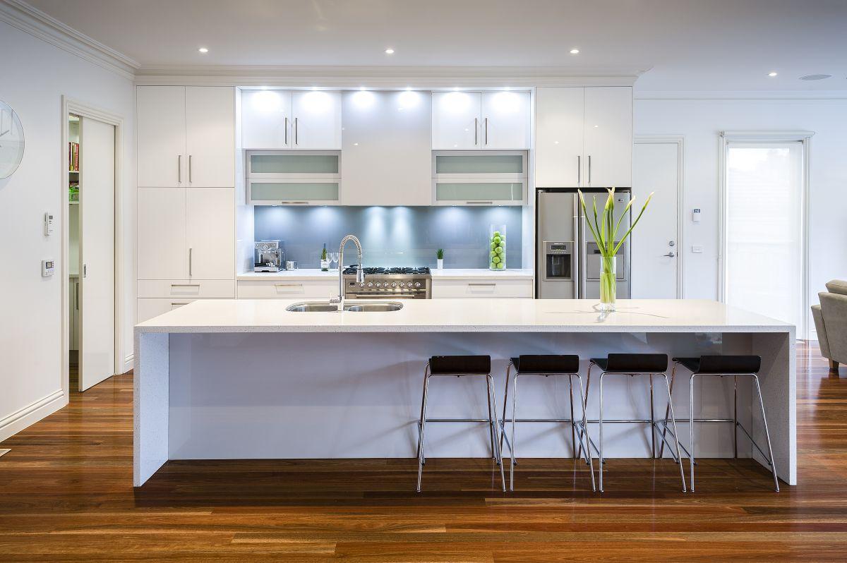 White Modern Kitchen photo - 6