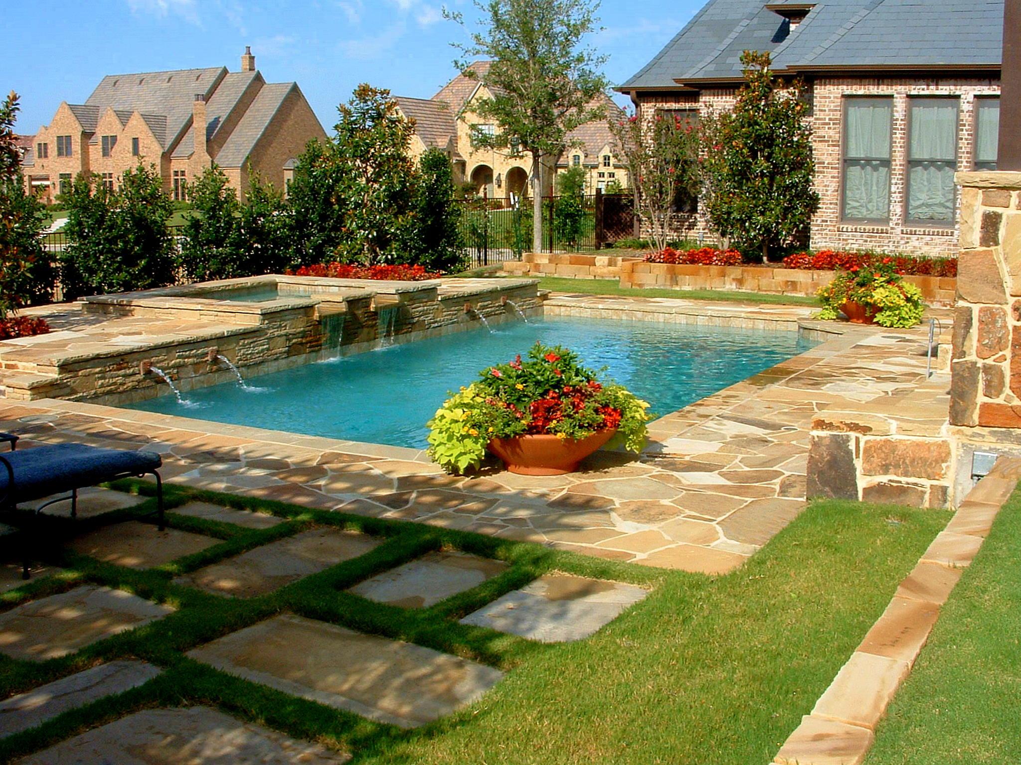 backyard swimming pool designs photo - 5