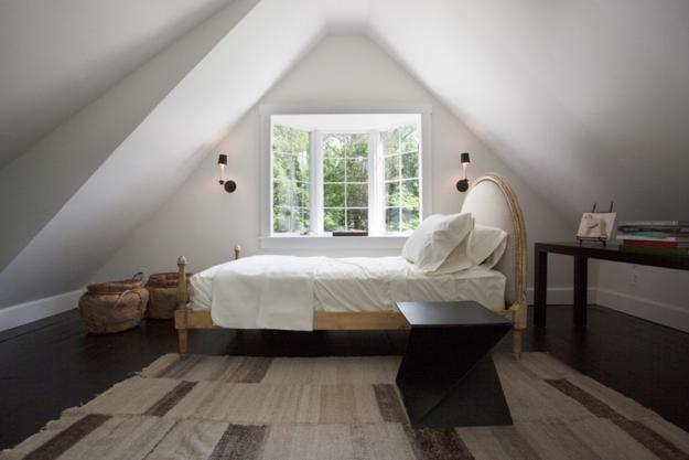 bedroom attic designs photo - 10