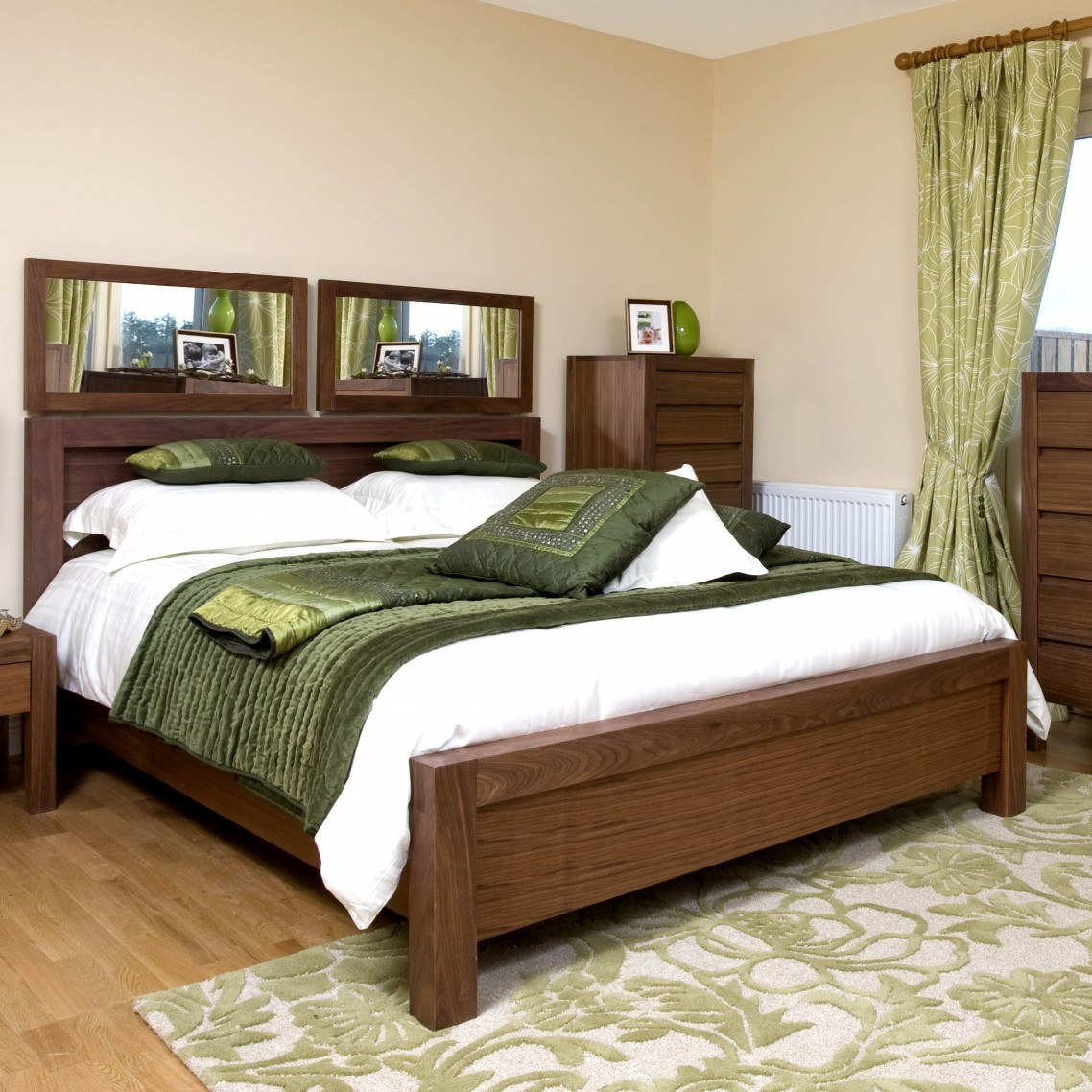 bedroom designs with brown furniture photo - 4