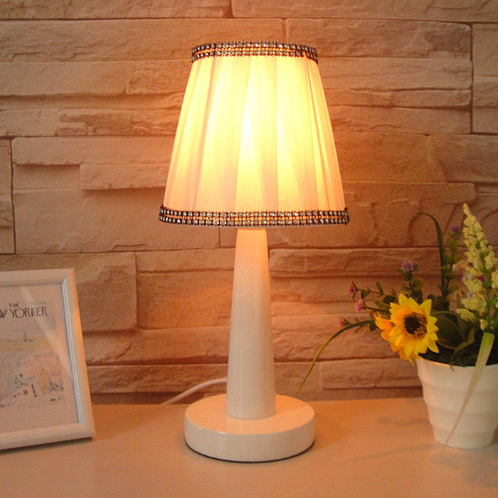 bedroom desk lamp photo - 3