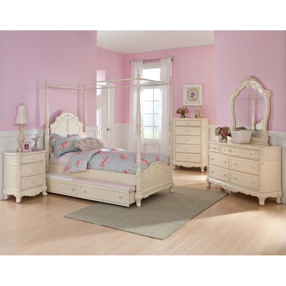 Bedroom Furniture For Twin Girls Photo   2