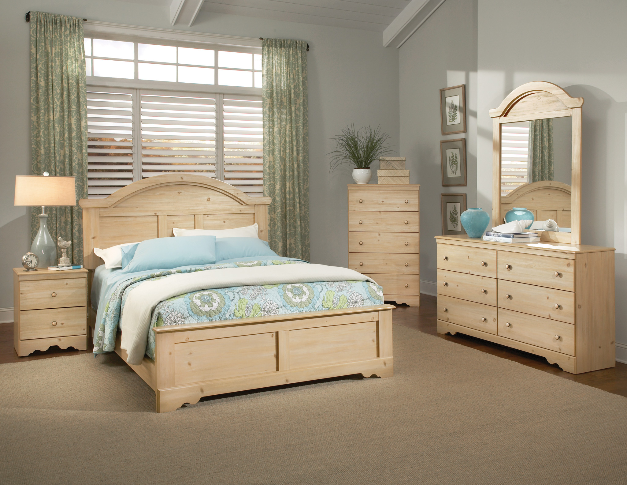 bedroom ideas with pine furniture photo - 10