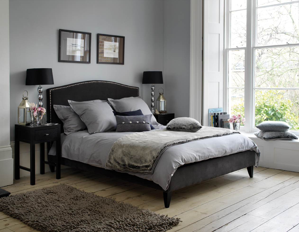 black and gray bedroom design photo - 4