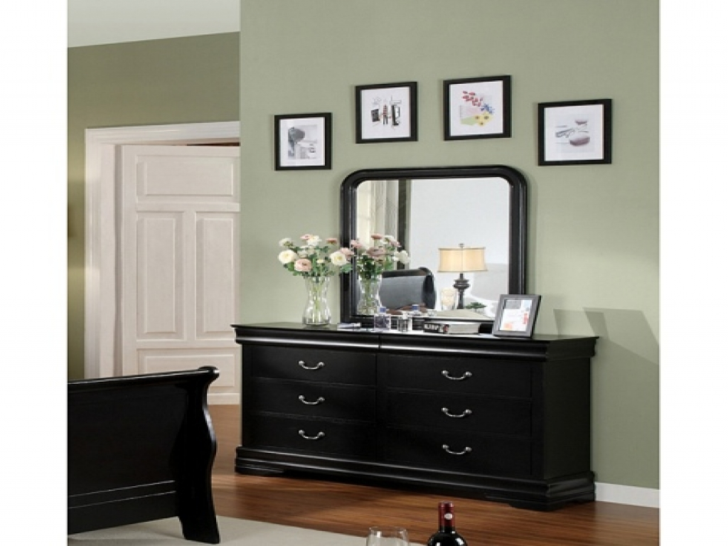 black and mirrored bedroom furniture photo - 7