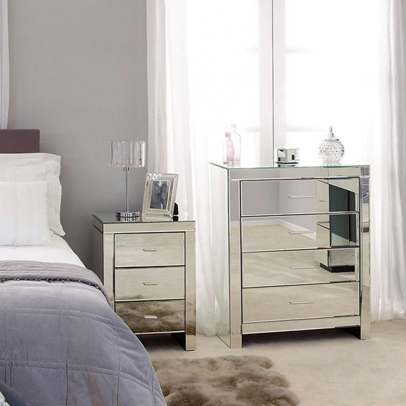 black and mirrored bedroom furniture photo - 9