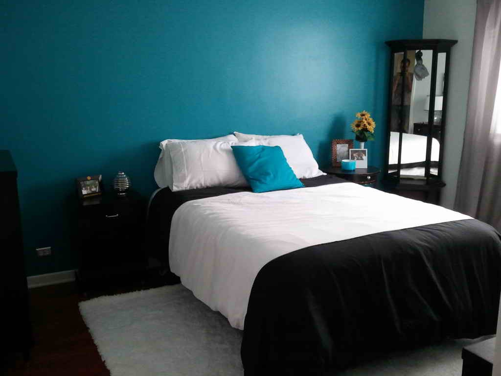 black and white and blue bedrooms photo - 7