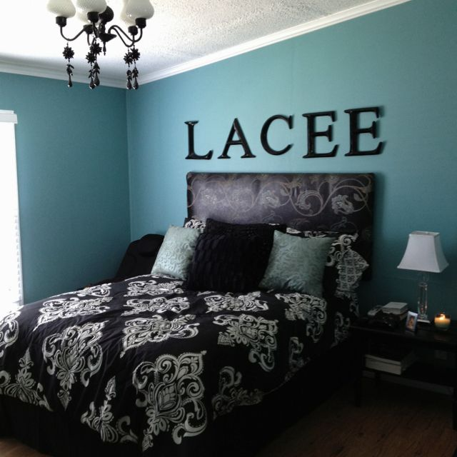 black and white bedrooms with blue accents photo - 10