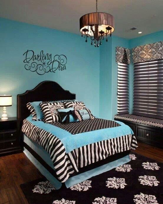 black and white bedrooms with blue accents photo - 7