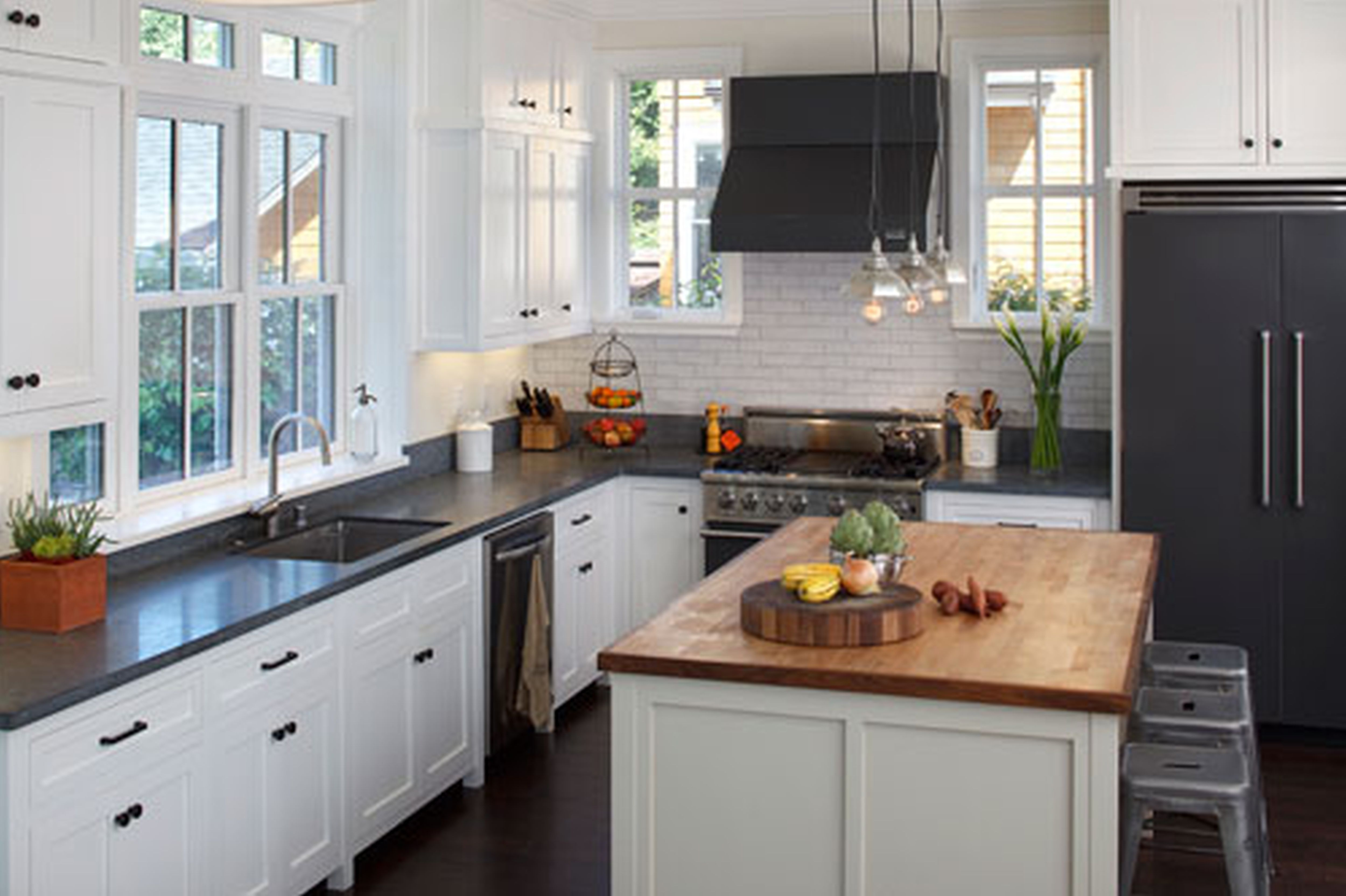 black and white country kitchen designs photo - 2