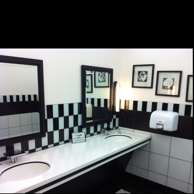 black and white kids bathroom ideas photo - 5