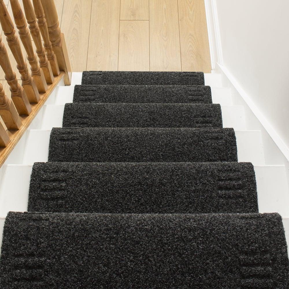 black carpet runner for stairs photo - 3