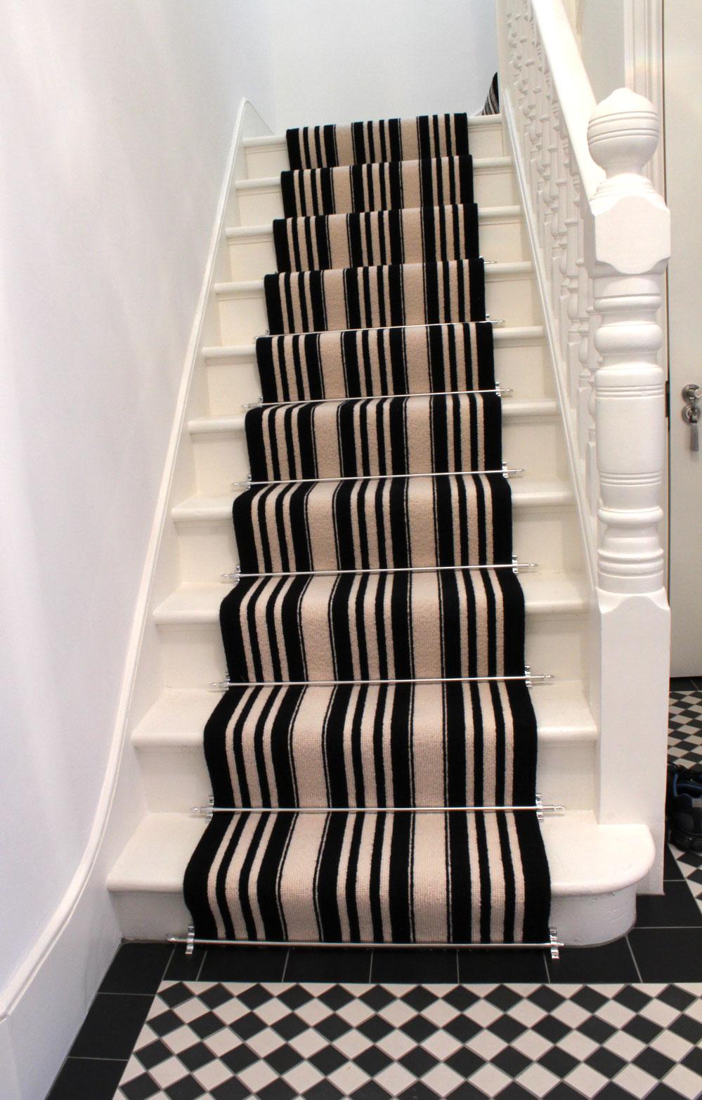 black carpet runner for stairs photo - 5