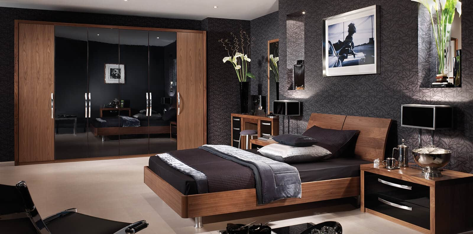black gloss bedroom design photo - 8