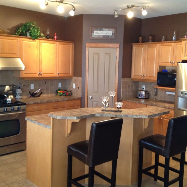 black kitchen cabinets and wall color photo - 7