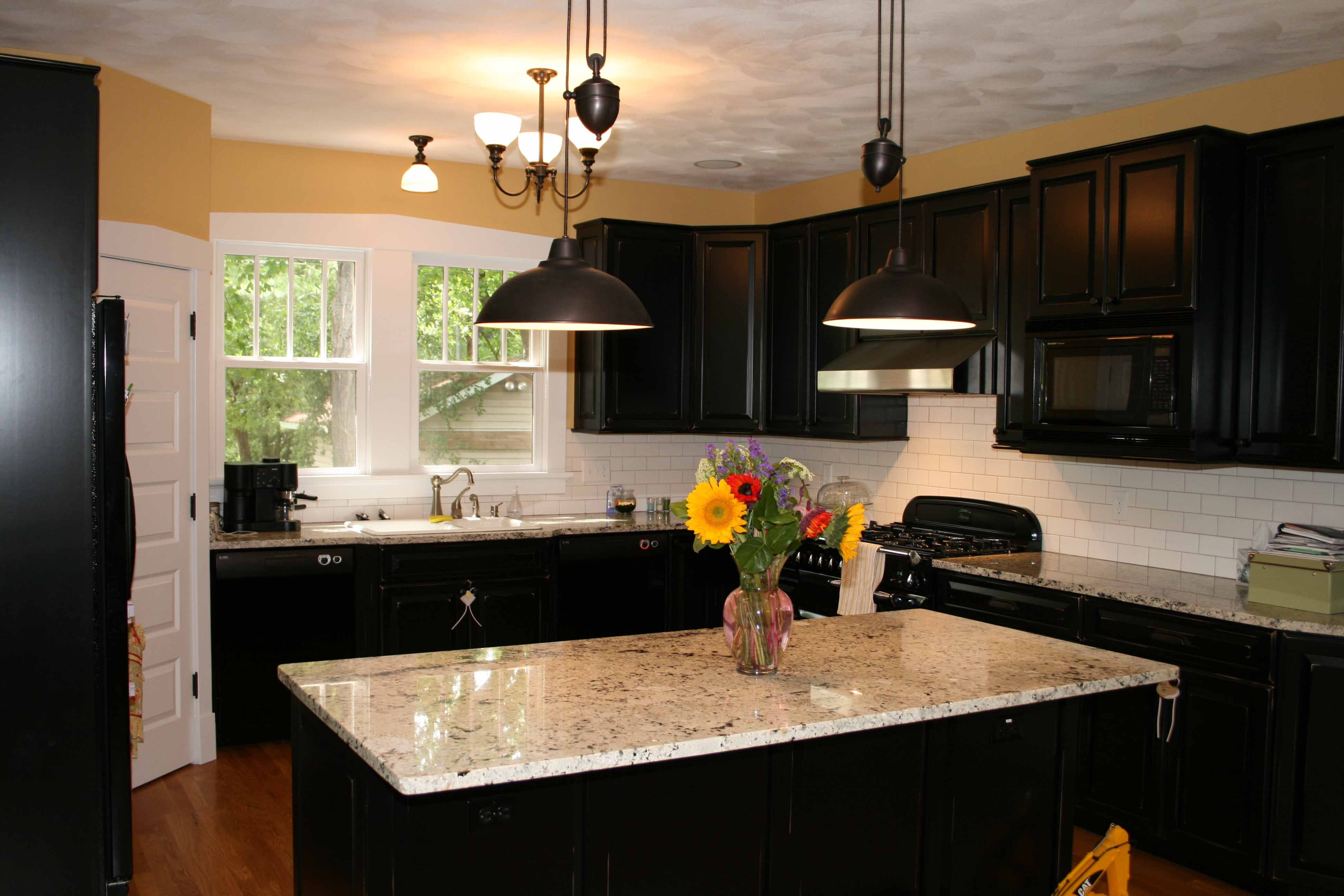 black kitchen cabinets with granite photo - 3