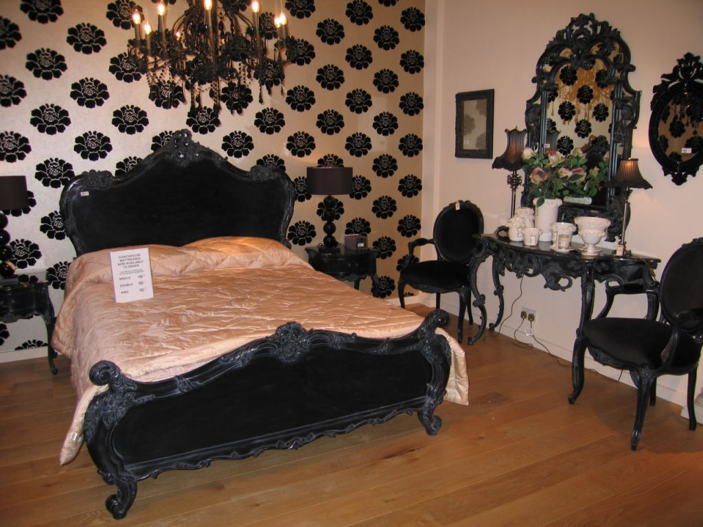 black victorian bedroom furniture photo - 8