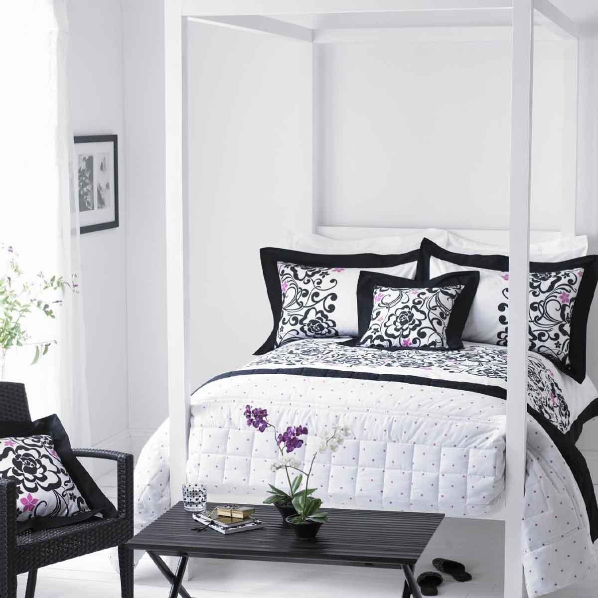 black white gray bedroom design photo - 3