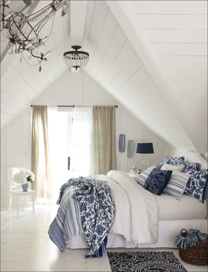 blue and white bedroom decor photo - 1